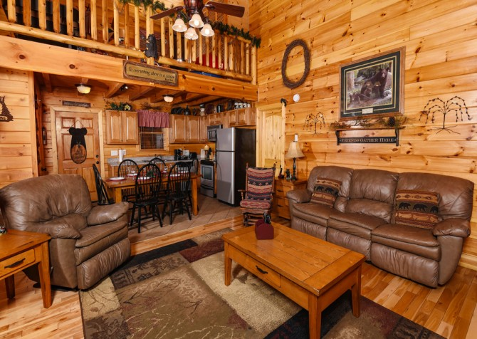 Pigeon Forge - Bear Crossing -  Living Room Seating
