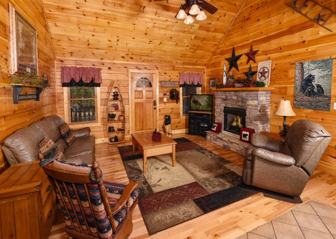 Pigeon Forge - Bear Crossing -  Living Room