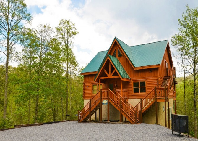 pigeon forge cabin – big bear plunge – exterior