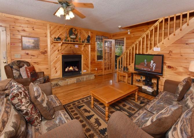 Pigeon Forge - Big Bear Retreat - Living Room