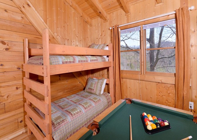 pigeon forge cabin – big chill– games