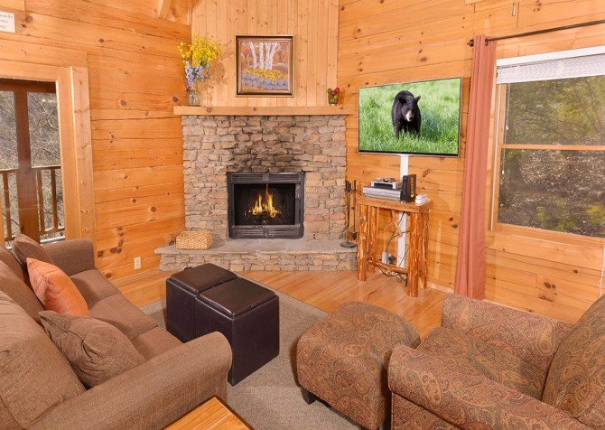 pigeon forge cabin – big chill– living room