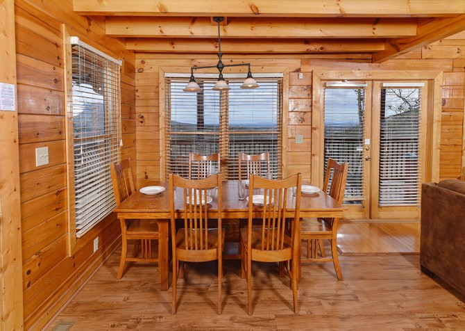 pigeon forge cabin – black bear ridge mountain views - dining
