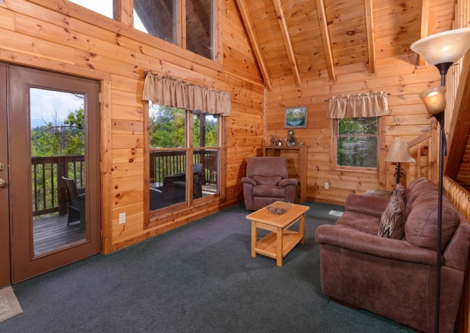 pigeon forge cabin – brink of paradise – living
