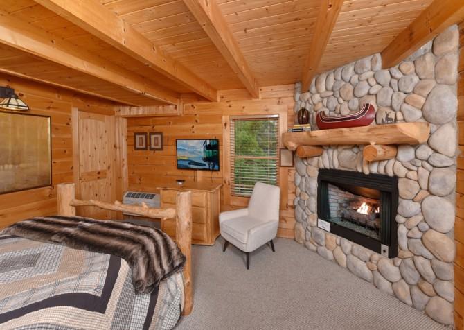 Pigeon Forge Cabin - Brother's Deja View - Bedroom