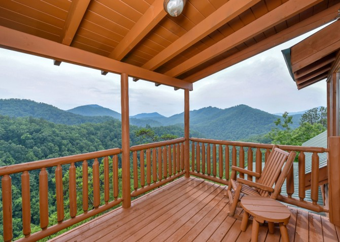 Pigeon Forge Cabin - Brother's Deja View - Covered Deck/View