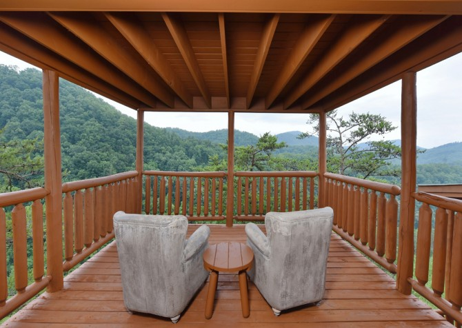 Pigeon Forge Cabin - Brother's Deja View - Deck Seating