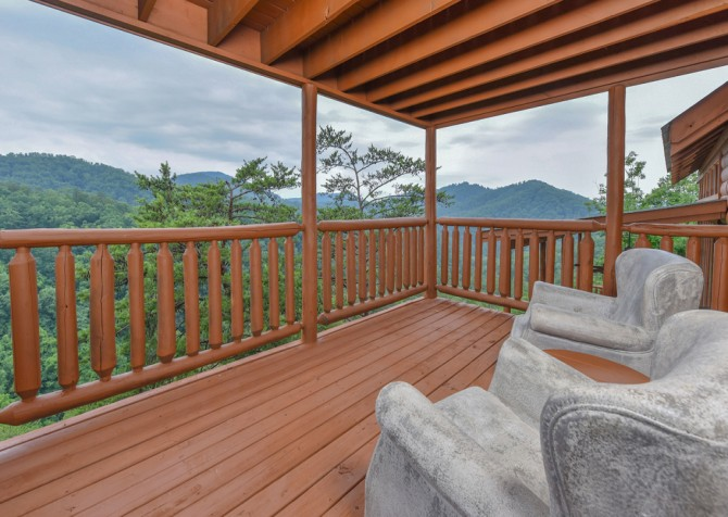 Pigeon Forge Cabin - Brother's Deja View - Deck Seating/View
