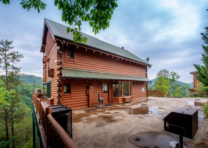 Pigeon Forge Cabin - Brother's Deja View - Exterior