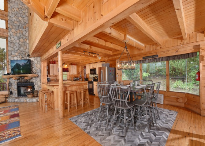 Pigeon Forge Cabin - Brother's Deja View - Dining Room