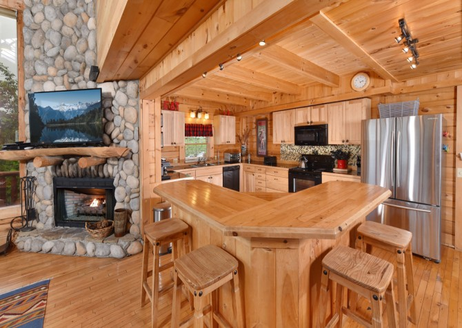 Pigeon Forge Cabin - Brother's Deja View - Kitchen