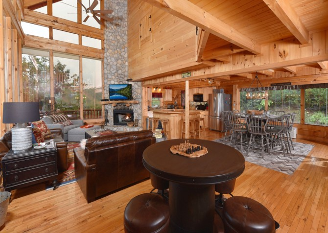 Pigeon Forge Cabin - Brother's Deja View - Living Room