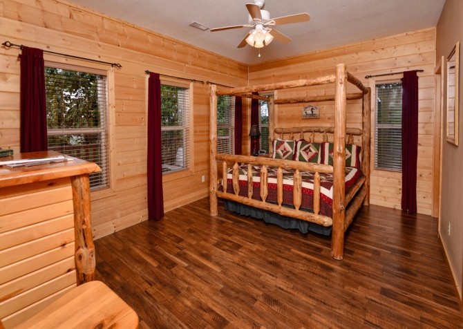 pigeon forge cabin – buckskin lodge – bedroom