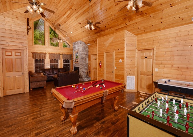 pigeon forge cabin – buckskin lodge – game room