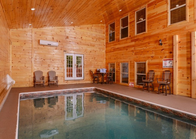 Pigeon forge cabins buckskin lodge for 8 bedroom cabin with indoor pool