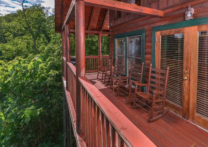 pigeon forge cabin – camp david – exterior