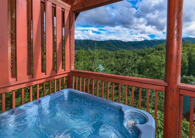 pigeon forge cabin – camp david – outdoor hot tub