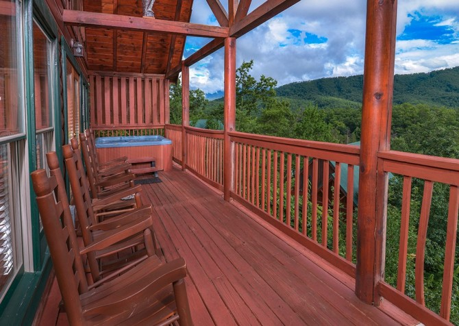 pigeon forge cabin – camp david – exterior