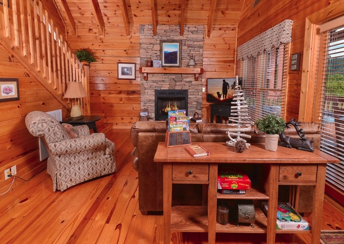 pigeon forge cabin – camp david – living