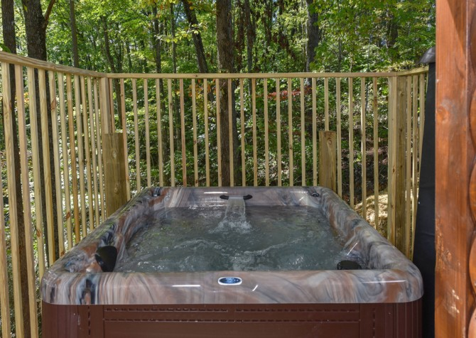 Pigeon Forge - Close Beside Me - Hot Tub