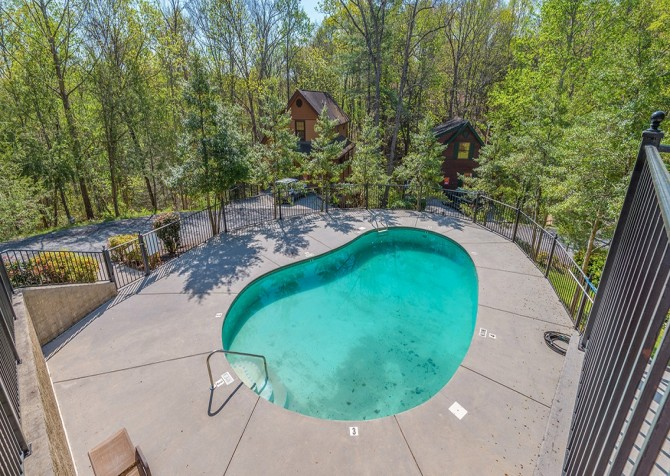 pigeon forge cabin – come back inn – resort hot tub