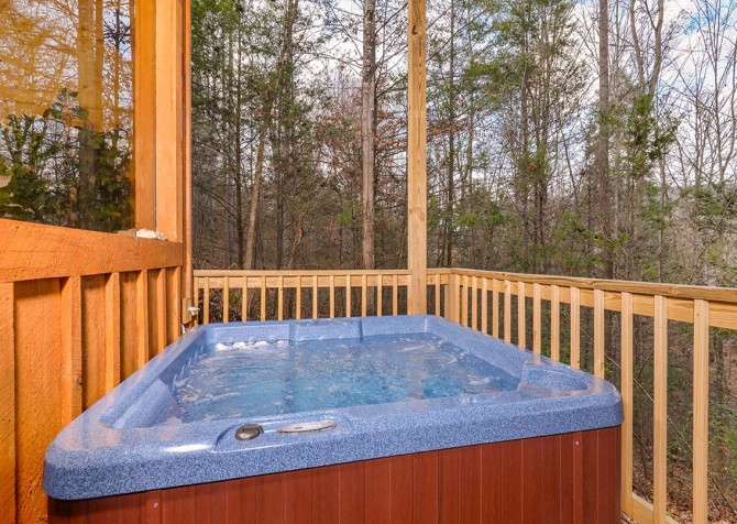 Pigeon Forge cabin - Copper River - Hot Tub