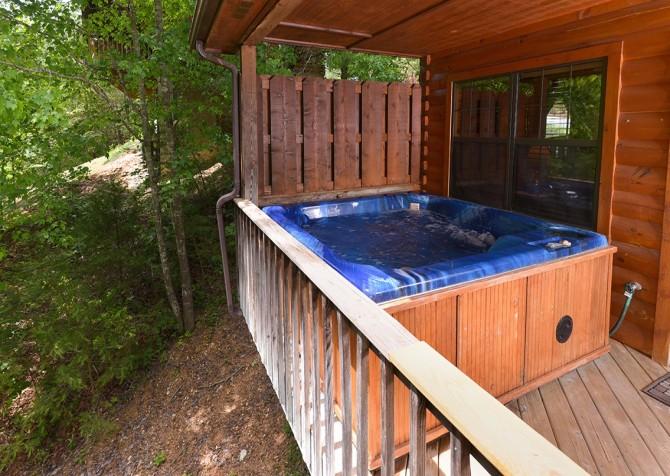 pigeon forge cabin – cozy corner – hot tub