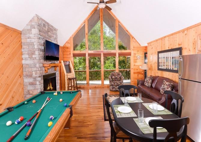 pigeon forge cabin – cozy corner – games