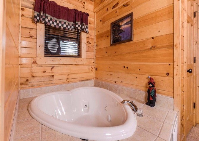 pigeon forge cabin – dancing with the stars – jetted tub