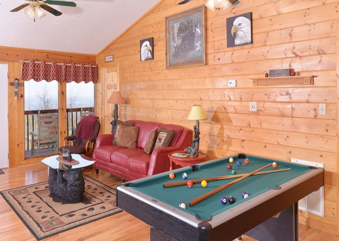 pigeon forge cabin – eagles landing – game table