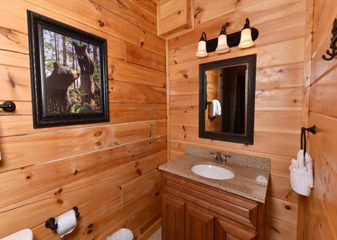 Pigeon Forge - Fitzgerald's Shamrock Chalet - Bathroom