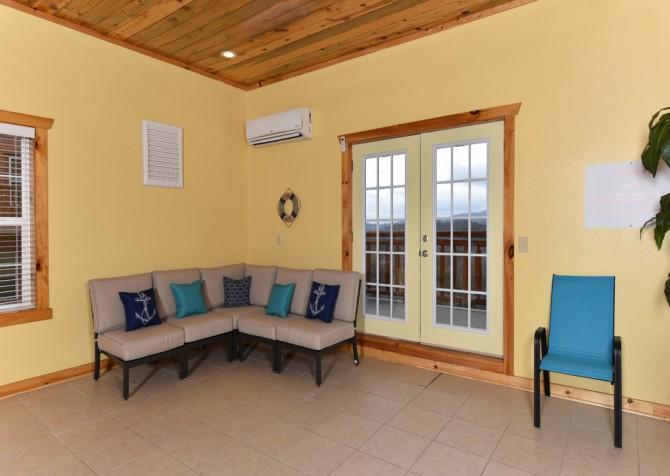 Pigeon Forge - Fitzgerald's Shamrock Chalet - Indoor Pool Room
