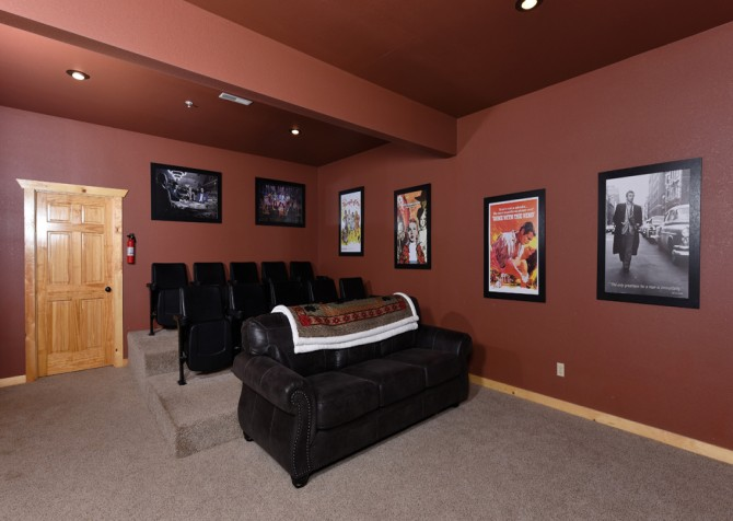 Pigeon Forge - Fitzgerald's Shamrock Chalet - Theater Room