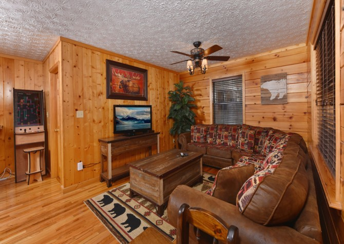 Pigeon Forge - Friendly Bear Lodge - Rec Room