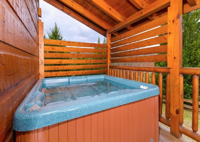 pigeon forge cabin – good times – hot tub