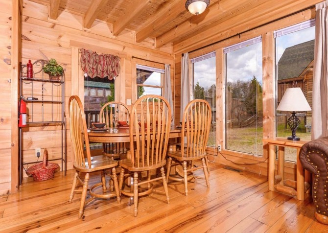 pigeon forge cabin – good times – kitchen