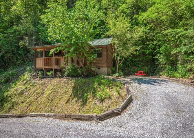 pigeon forge cabin – goodness and mercy – exterior