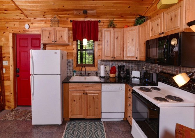 pigeon forge cabin – goodness and mercy – kitchen