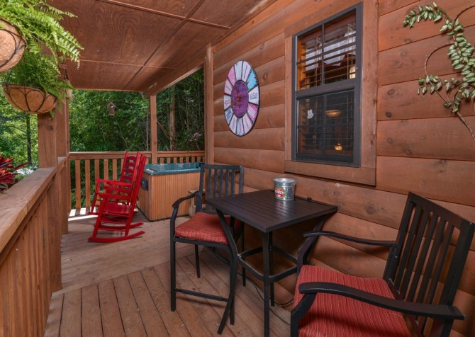 pigeon forge cabin – get outta dodge – view