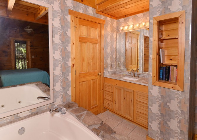 Pigeon Forge – Hacienda – Bathroom