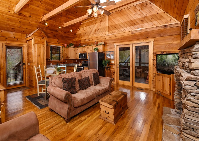 Pigeon Forge – Hacienda – Living Room