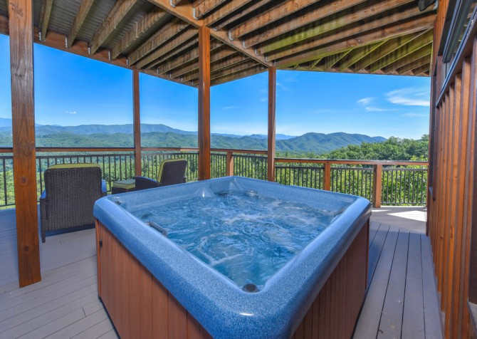 Pigeon Forge Cabin - Hallmark Splash - Hot Tub