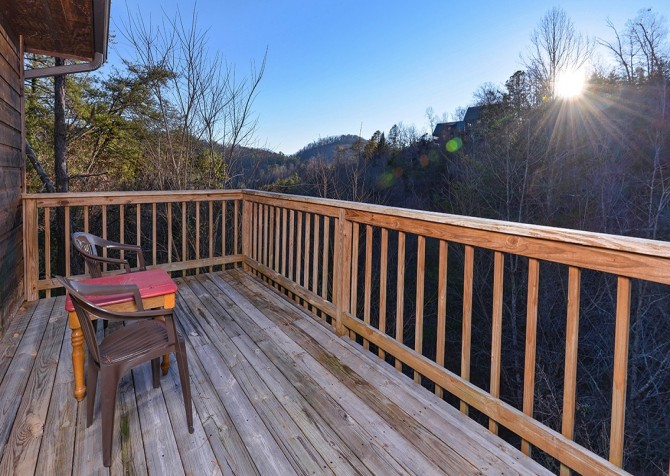 pigeon forge cabin – happy days – exterior