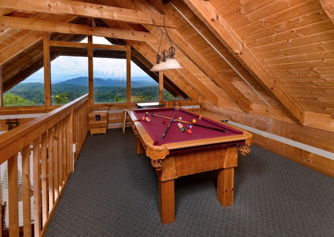 pigeon forge cabin – hard to leave – game room