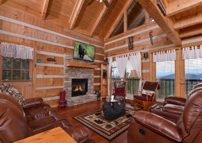 pigeon forge cabin – hard to leave – living