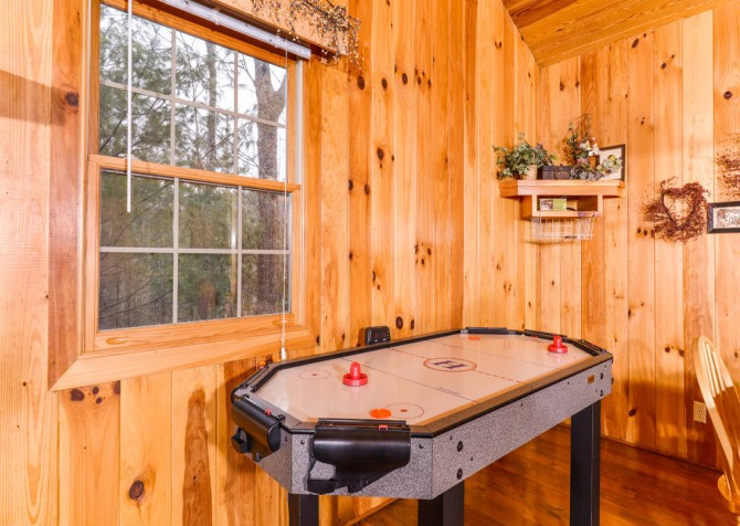 pigeon forge cabin – hearts desire – games
