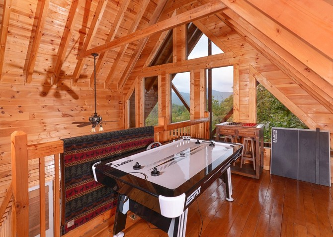 pigeon forge cabin – high-bear-nation – game room