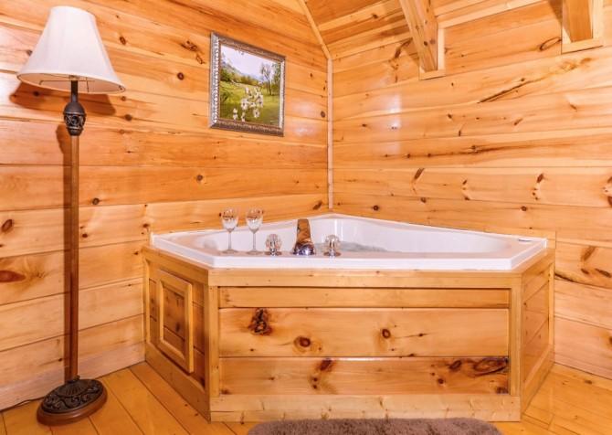 pigeon forge cabin – higher ground – bathroom