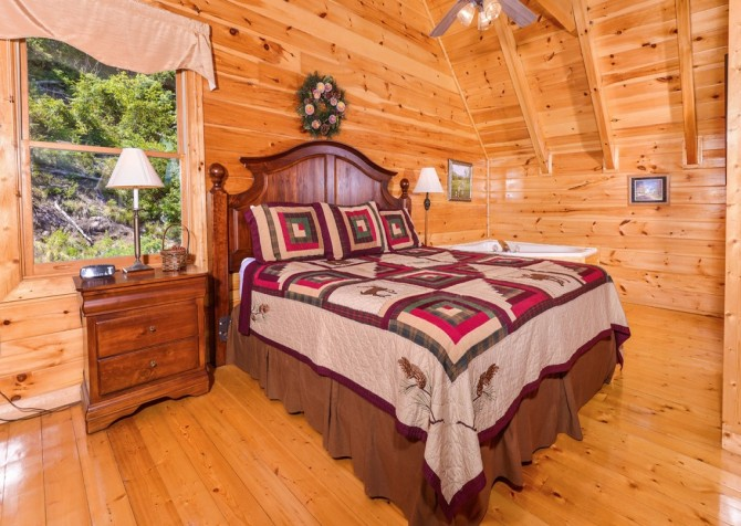 pigeon forge cabin – higher ground – bedroom