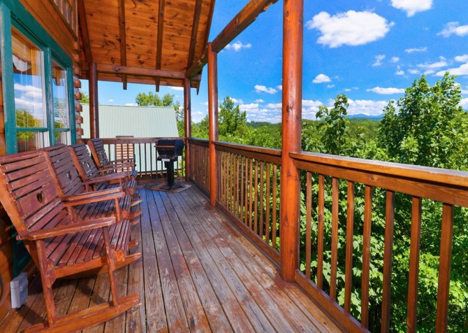 pigeon forge cabin – high-bear-nation – view